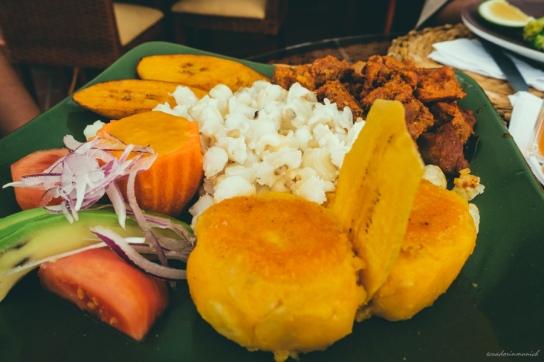 comida-tipica-ecuatoriana-llapingacho