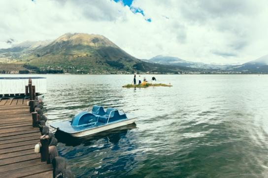 puerto-lago-otavalo-ecuador-1