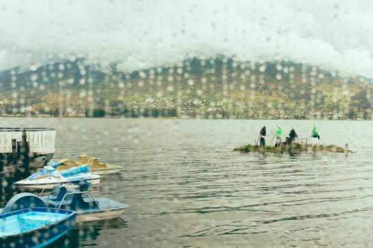 puerto-lago-otavalo-ecuador-2